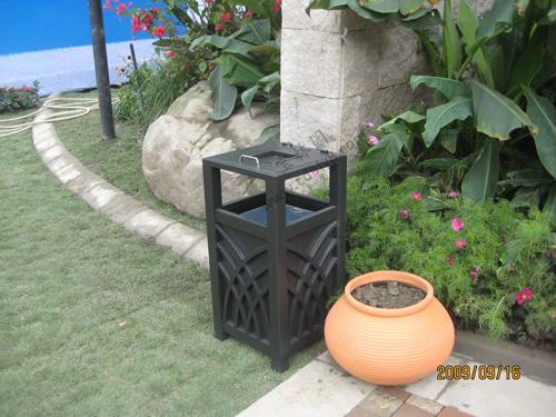 BB1-006 全钢单桶垃圾桶