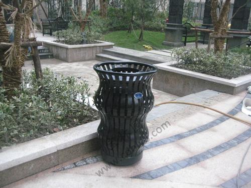 BB1-017 全钢单桶垃圾桶